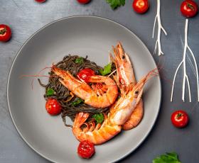 Bella Italia: Лангустиновые креветки, Буррата и Ягодный пай