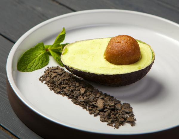 Авокадо бранч: Мильфей, Хешбраун и Кокосовое мороженое